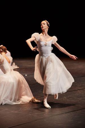 ballet_perm_060_bd.jpg